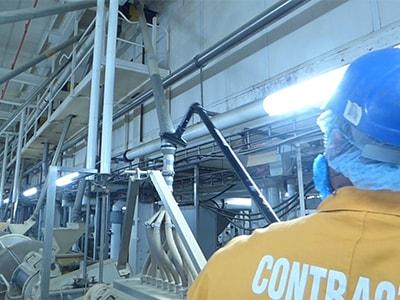 Reinigung der Produktionsanlage